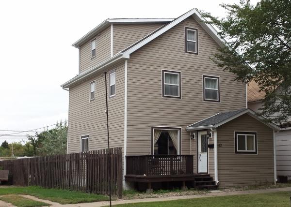 412 Moose Square (600x428)