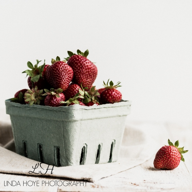 2016-05-28 Strawberries-1-8 (650x650)
