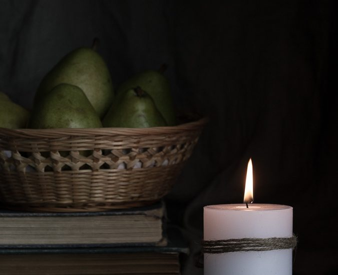 2016-11-28-candle-pears-3